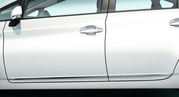 Boční chromové lišty Prius