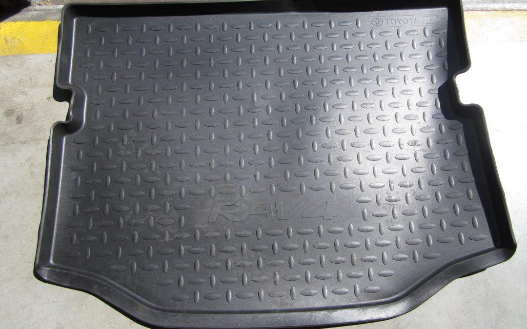 Gumová vana kufru – RAV4 75 % sleva